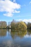 Vue de panorama de temps de lac au printemps Images stock