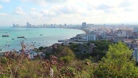 Vue de panorama de ville de Pattaya et de Golfe du Siam, Thaïlande clips vidéos