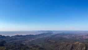 Vue de panorama des chaînes de Flinders prises de St Mary ' ; crête de s image stock