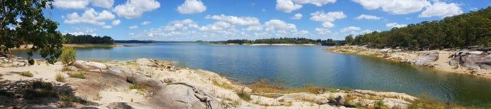 Vue de panorama du Queensland de barrage de Tinaroo de lac Images libres de droits