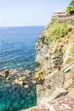 Vue de par l'intermédiaire du dell Amore (ruelle de Lovers'), Cinque Terre, Italie Photos stock