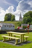 Vue de parc et d'église de Castletownroche Image libre de droits