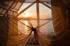 Vue de pavillon de lever de soleil image stock