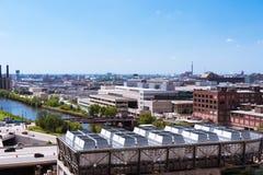 Vue de paysage de Chicago d'un toit de bâtiment image libre de droits