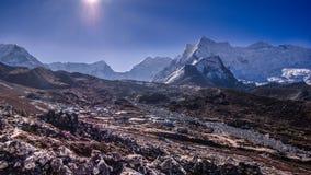 Vue de paysage de la crête de village et d'île de Chukhung images libres de droits