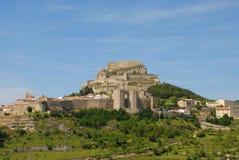 Vue de paysage de Morella, une ville murée antique sur un dessus de colline photographie stock libre de droits