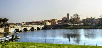 Vue de paysage urbain de Rimini Pont de Tiberius Photos libres de droits