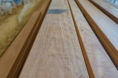 Vue de perspective des planches de bois dur Matériaux de construction de retour photos stock