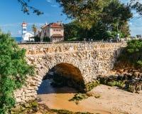 Vue de phare de Santa Marta et de musée municipal de Cascais, au Portugal photos libres de droits