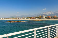 Vue de pilier de di massa de marina dans Versilia photographie stock