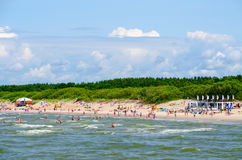 Vue de pilier sur la plage de sable dans Palanga, Lithuanie Photos libres de droits