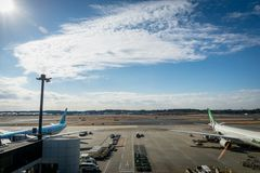 Vue de piste d'aéroport international de Tokyo Narita Photo libre de droits