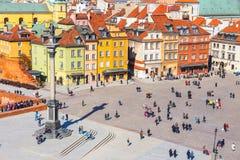 Vue de place de château avec la colonne de Sigismund dans la vieille ville à Varsovie, Pologne Photo stock