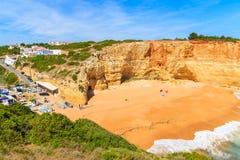 Vue de plage arénacée de Benagil Photo stock