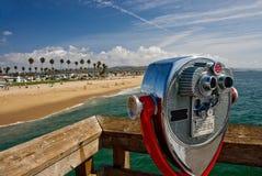 Vue de plage avec le télescope Photo libre de droits