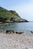 Vue de plage d'Isola Bella dans Taormina, Sicile, Italie images libres de droits