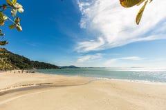 Vue de plage de Laranjeiras, Balneario Camboriu Santa Catarina Photographie stock libre de droits