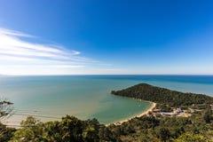Vue de plage de Laranjeiras, Balneario Camboriu Santa Catarina Image libre de droits