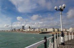 Vue de plage et de ville de Brighton images stock