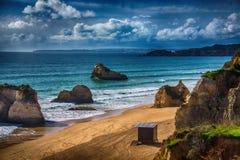 Vue de plage sur le Praia DA Rocha Photographie stock libre de droits