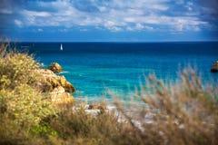 Vue de plage sur le Praia DA Rocha Photo stock