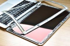 Vue de plan rapproché de concept de service des réparations d'ordinateur portable d'ordinateur Matériel image stock