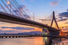 Vue de pont d'Aomori à la scène de lever de soleil, baie d'Aomori, Tohoku, Jap Photos stock