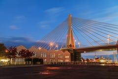 Vue de pont d'Aomori à la scène de lever de soleil, baie d'Aomori, Tohoku, Jap Photographie stock