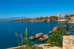 Vue de port d'Antalya, de mer Méditerranée et de littoral, Antalya Photos stock