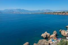 Vue de port d'Antalya, de mer Méditerranée et de littoral, Antalya Photographie stock libre de droits