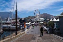 Vue de port dans Victoria et Alfred Waterfront, Cape Town images libres de droits