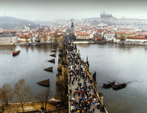 Vue de Prague, pont de Charles, rivière de Vltava Photographie stock libre de droits