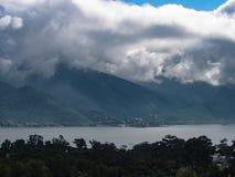Vue de ` de Presa de la Boca de ` de Boca Dam de La d'un belvédère situé dans la ville de Santiago photos stock