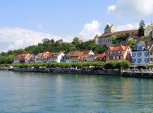 Vue de promenade de Meersburg's et de vieux château du lac Photo stock