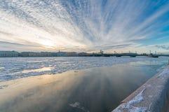 Vue de Promenade des Anglais et des WI de pont d'annonce Image libre de droits