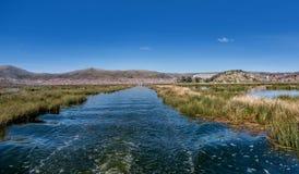 Vue de Puno par le lac Titicaca, Pérou Photo libre de droits