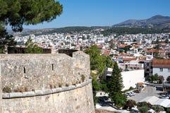 Vue de Rethymno des murs de Fortezza de Rethymno, île de Crète, Grèce Photos stock