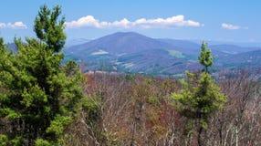 Vue de Ridge Parkway bleu, la Caroline du Nord, Etats-Unis image stock