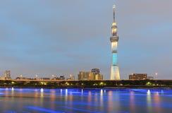 Vue de rivière de Tokyo Sumida avec Tokyo Skytree Photos libres de droits