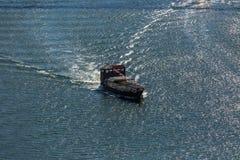Vue de rivière Douro, avec la navigation récréationnelle de bateaux, pour des visites touristiques image libre de droits