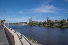 Vue de rivière Ness et Inverness, Ecosse Photos stock