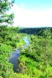 """Vue de rivi?re Parc naturel """" ; Cerfs communs streams"""" ; Ural, région de Sverdlovsk, Russie images stock"""