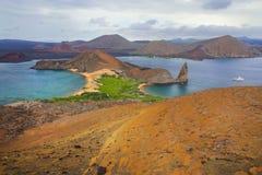 Vue de roche de sommet PA nationale sur de Bartolome île, Galapagos Photographie stock