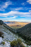 Vue de route à Mt Whitney, pin solitaire, CA photo stock