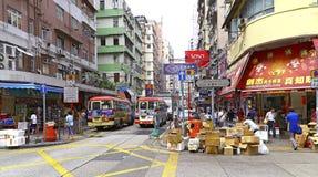 Vue de rue de Hong Kong : rue de fa Yuen, mongkok images libres de droits