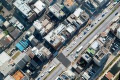 Vue de rue de l'arbre de ciel Image stock