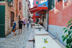 Vue de rue de Rovinij Images stock