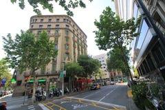 Vue de rue de ville de Barcelone Photos libres de droits