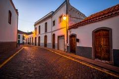 Vue de rue en ville de San Bartolome De Tirajana Image stock