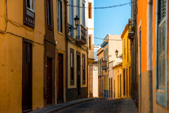 Vue de rue en ville de Santa Maria de Guia Photos stock